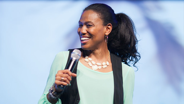 Priscilla Shirer: In Awe...